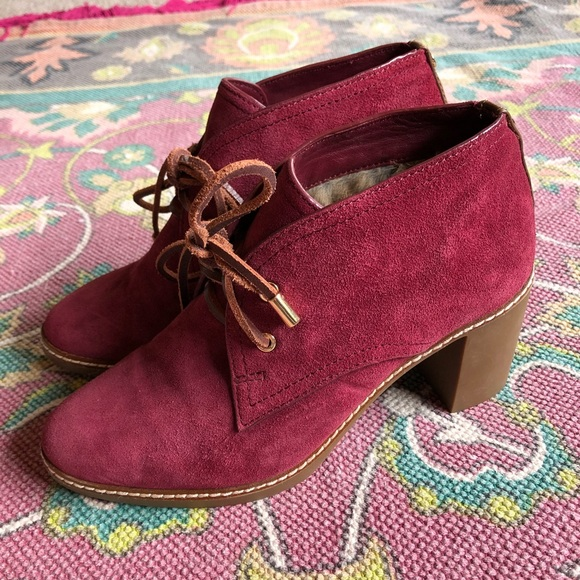 1c8534cf346 Tory Burch Hilary Suede Lace Up Fur Lined Booties.  M 5afc5bac6bf5a6aedc8ecbb5